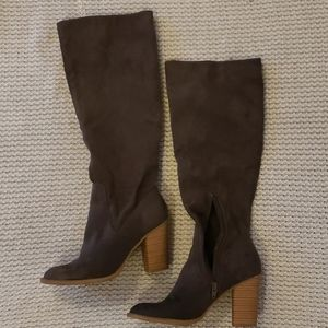 DV Knee High Boots, size 7.5 Brown
